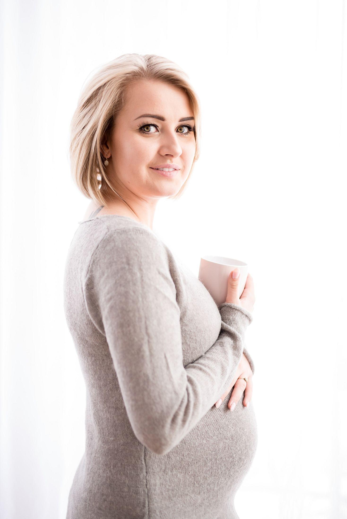 Sesja ciążowa Karoliny w studio, Rzeszów