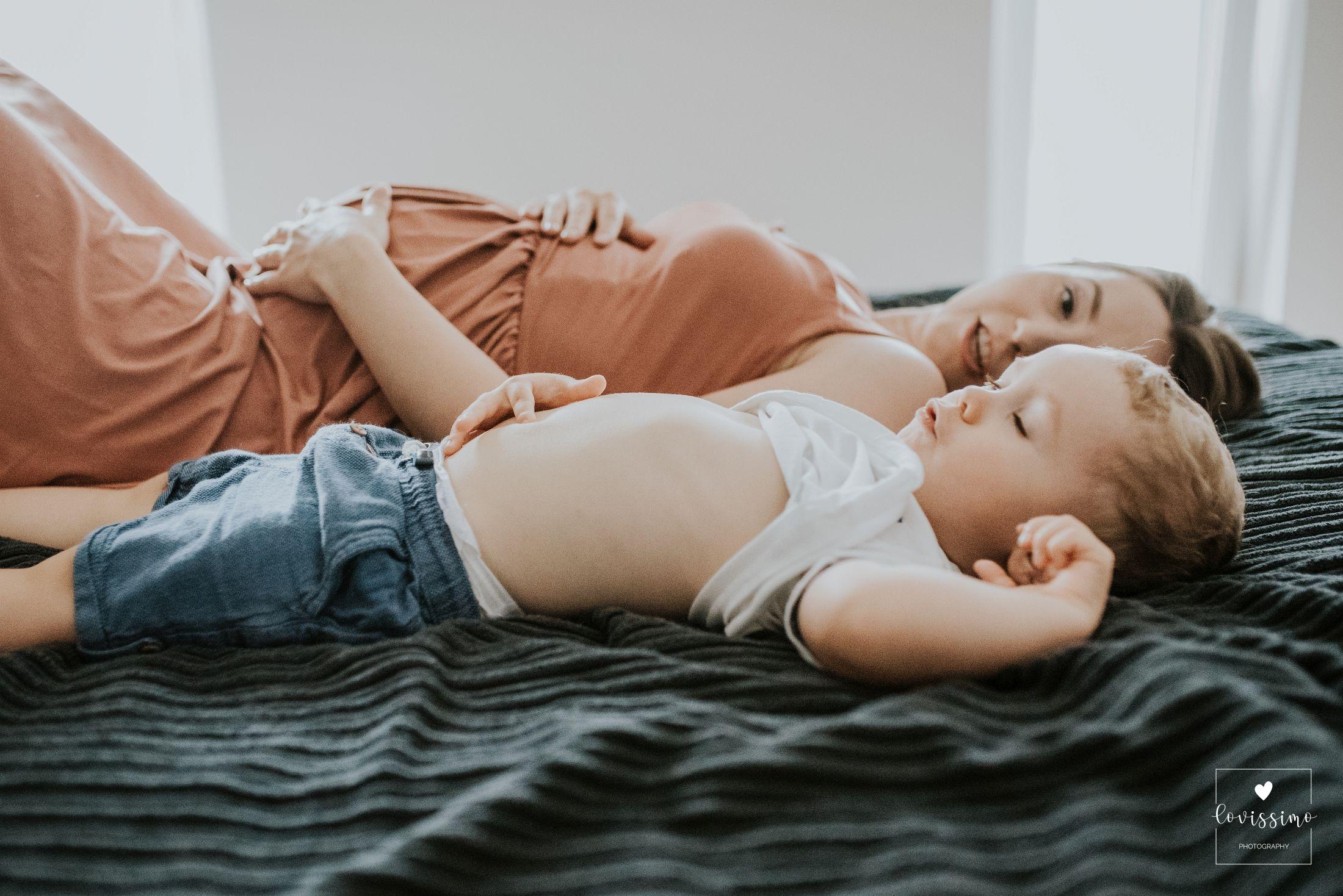Sesja ciążowa w domu klienta, sesja lifestylowa (lifestyle, lajfstajlowa) Rzeszów
