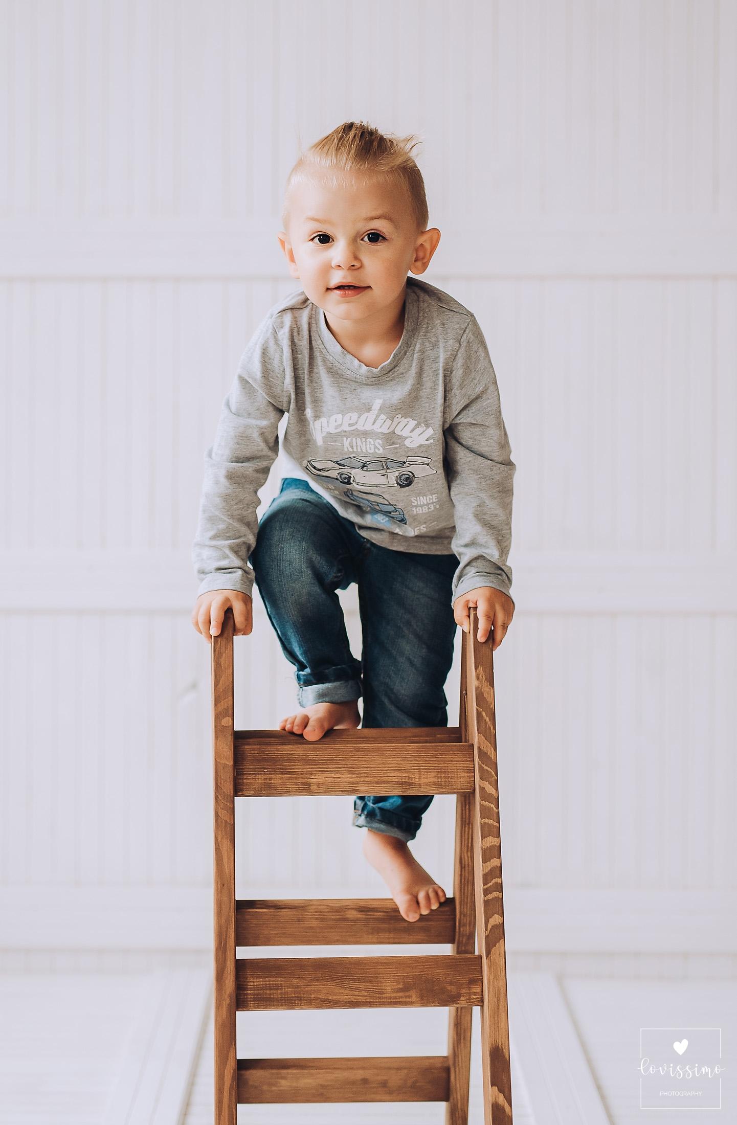 Sesja zdjęciowa dziecka w studiu Rzesów